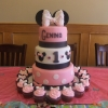 minnie-mouse-tier-with-cupcakes